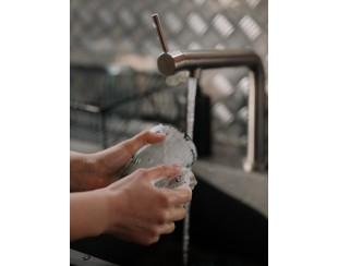 Миємо посуд вручну: поради